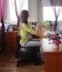Instabil eszközök segítségével dinamikussá tehető az ülés.