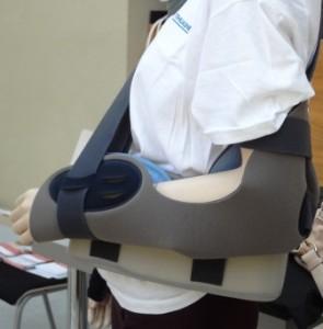 Repozíció után hetekig kartartót kell viselnie a betegnek.
